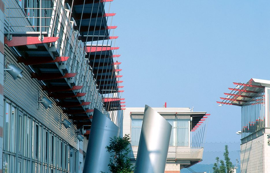 Feuerwache Flughafen Stuttgart Fassade 1