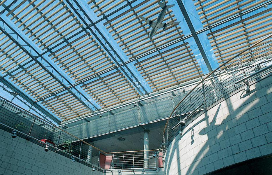 Feuerwache Flughafen Stuttgart Glasbedachung 1