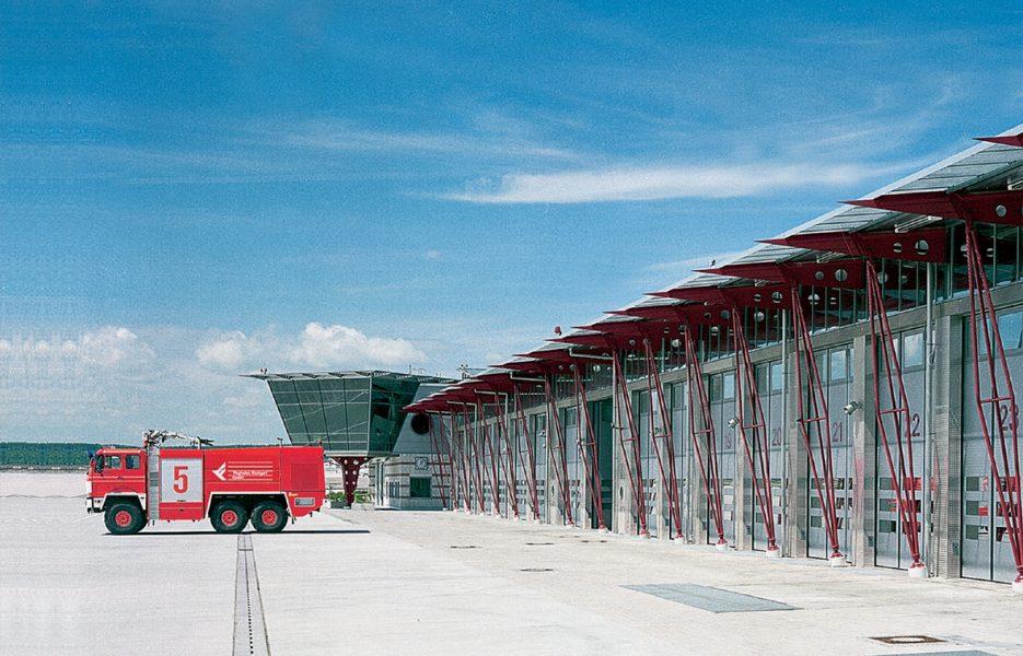 Feuerwache Flughafen Stuttgart Tore